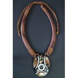 Collar Madera Abalon 18
